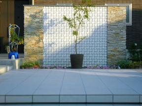 新潟の小さな外構店が本気で目指す日本一の仕事への道のりは、まず天気から!第47庭 続・LEDライトで庭・玄関前をライトアップ!