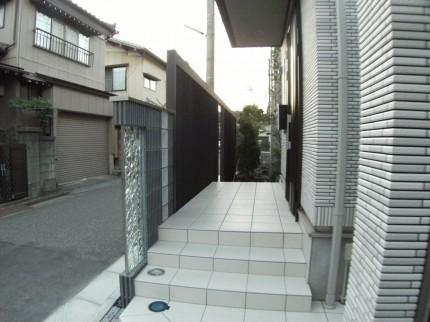 モダンにキラキラ輝く素敵な門壁 新潟市M様邸