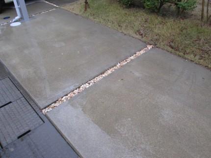 コンクリート溝 化粧砂利