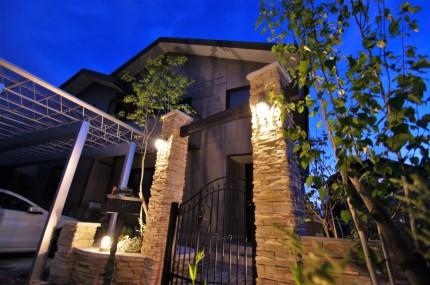 玄関前に我が家だけの凱旋門 新潟市E様邸