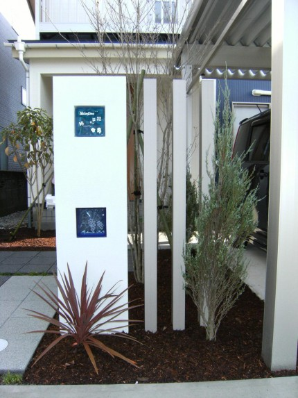 素敵にアプローチを飾るオリジナル門柱、モダンでお洒落に 五泉市 N様邸