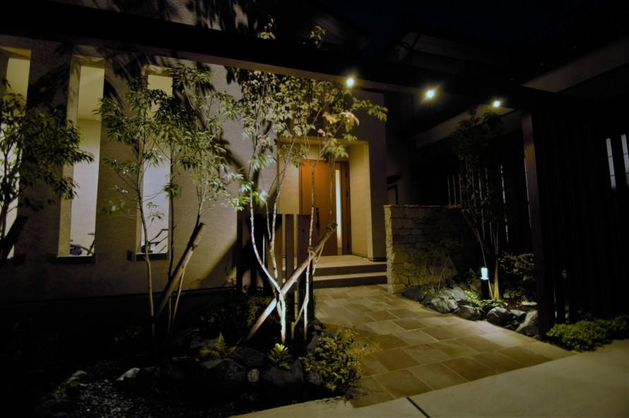 ゲートを使って奥行と安定感を演出 新潟市T様邸