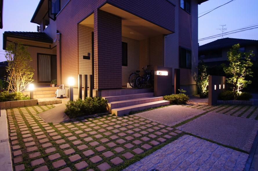 ご家族で芝生に囲まれた空間で過ごす 新潟市 W様邸