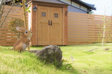 芝生に囲まれて一つ上ゆく朝食を 新潟市H様邸