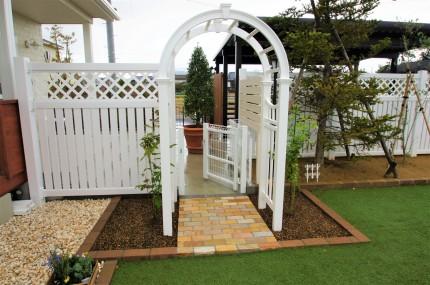 お庭を目隠しフェンスでプライベートに 燕市K様邸
