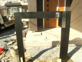 新潟の小さな外構店が本気で目指す日本一の仕事への道のりは、まず天気から!第63庭 スマートなアルミ製、機能門柱(ポスト・インターホン)