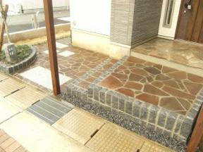 新潟の小さな外構店が本気で目指す日本一の仕事への道のり!第101庭 入口玄関前の天然石貼り その2