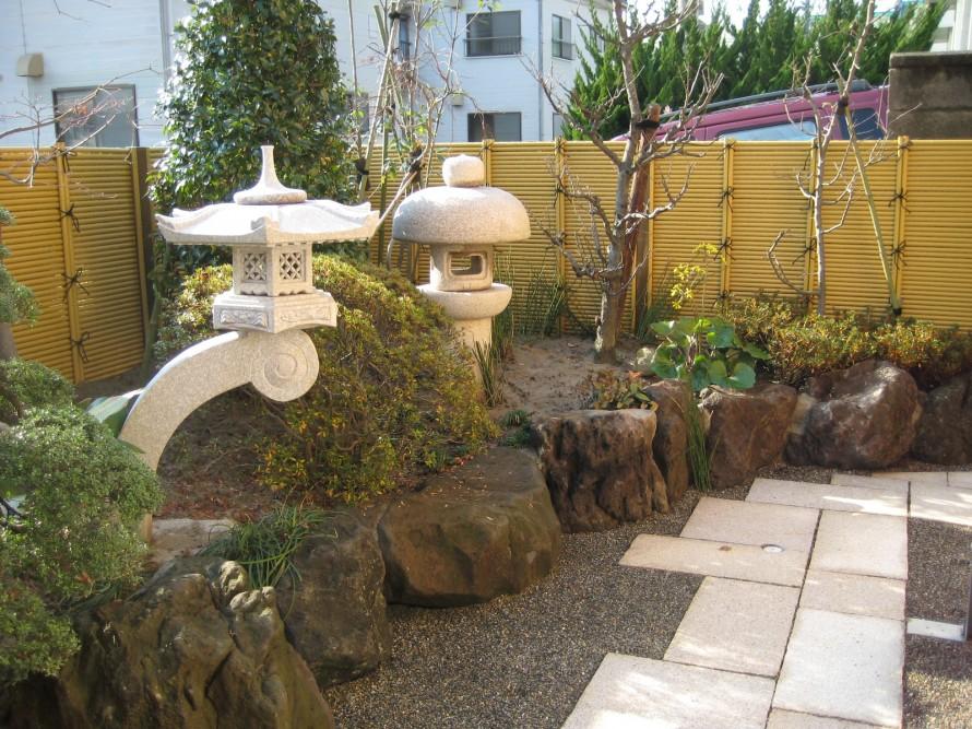 蘭渓型灯籠を使った和庭のリフォーム  新潟市T様邸