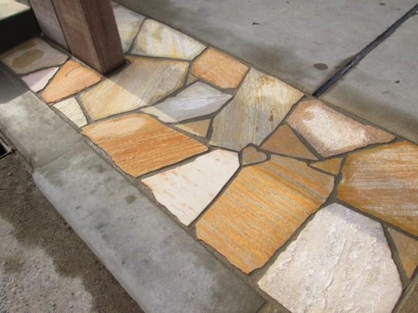 ハート飾り石