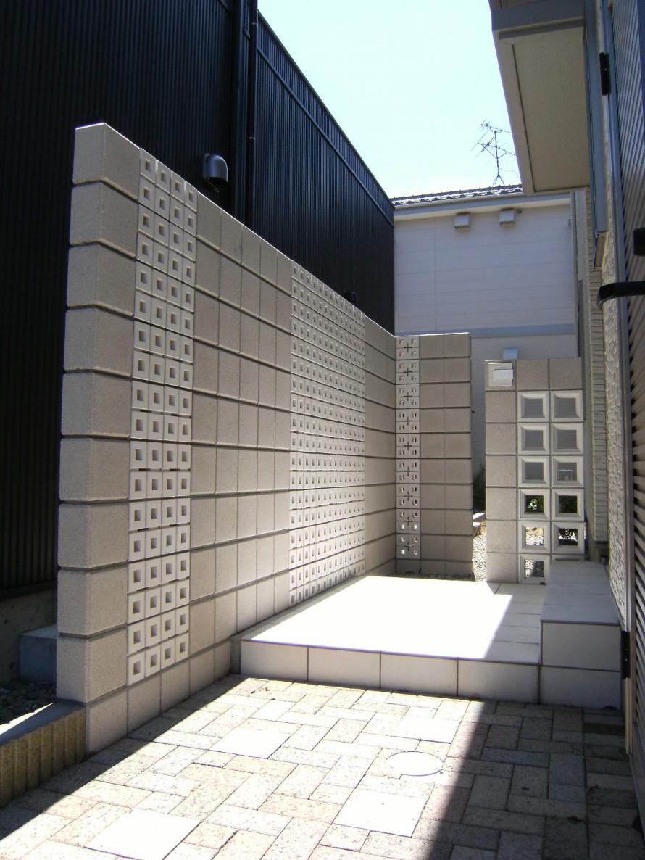 シンプルモダンの目隠し壁 新潟市S様邸